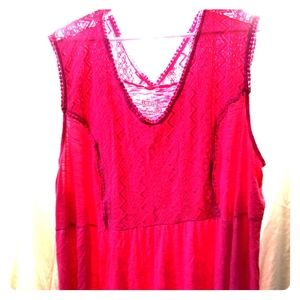 Pink tank top with lace embroidered